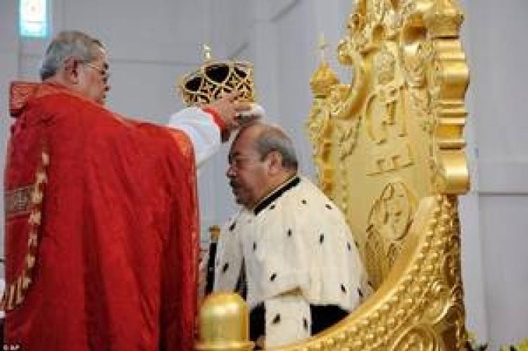 BRYCE CROWNS THE KING, Tonga, South Pacific