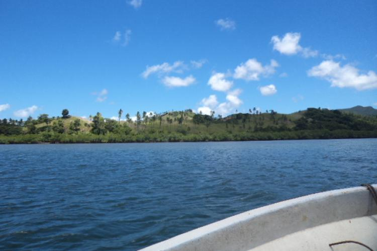 Approaching property, 455 acres on the ocean plus a house, Fiji